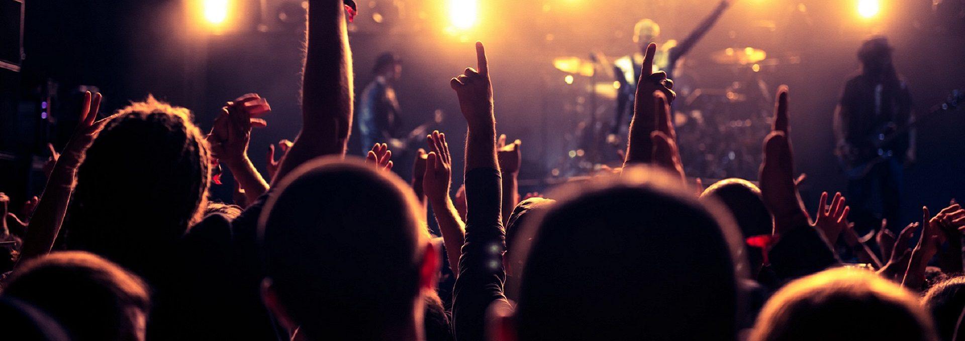 Aufnahme jubelndes Publikum