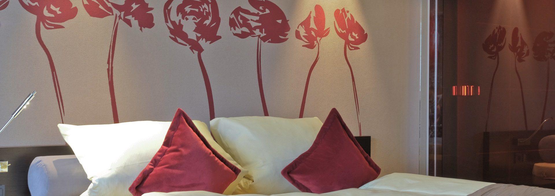 Deluxzimmer Detailaufnahme Bett Kissen